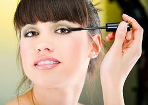 prevent mascara from smudging