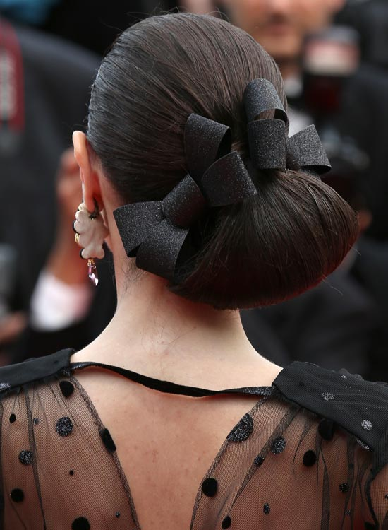 Low Angled Loop Hairdo with Double Bows